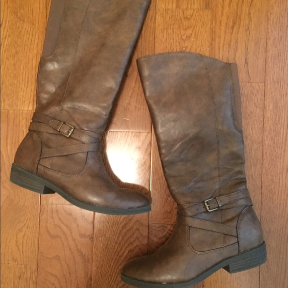 BareTraps Other - brown tall boots